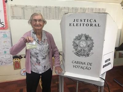 Idosos votam no Vale do Taquari